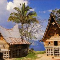 Индонезия, Северная Суматра, традиционный жилой дом bolon