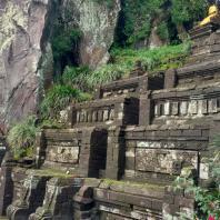Восточная Ява, террасовое святилище на горе Пенангунган, XV в.