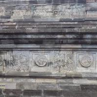 Восточная Ява. Храмовый комплекс Панатаран, XII—XV вв.: «датированный» храм, 1369 г.