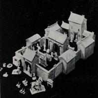 Рис. 3. Глиняная модель жилой усадьбы, раскопанной в погребении. II в. н. э.