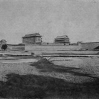 Рис. 44. Стены и башни города Си-ань (фу) в провинции Шаньси