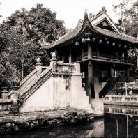 Вьетнам, Ханой. Храм Мот кот (Тхиен-хыу). 1049 г.