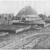 9. Санчи. Общий вид на большой ступа (II в. до н. э.) после реставрации