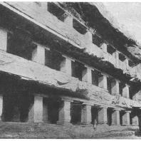 36. Элура. Джайнский храм Индра-Сабха. Деталь (около 850 г. н. э.)