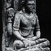 Сидящий Шива. Камень. VIII в. Плато Дьенг