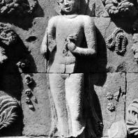 Боробудур. Омовение будды Шакьямуни. Фрагмент. Выс. фигуры 72 см