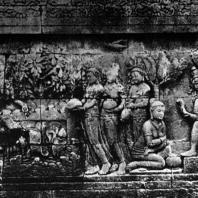 Боробудур. Встреча Судханы с Киннарами у источника. Рельеф первой галереи