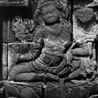 Боробудур. Сидящий Манджушри. Рельеф третьей галереи