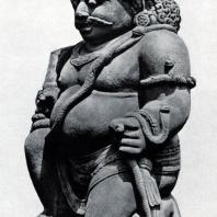 Статуя стража. Чанди Севу. Камень. Выс. 250 мм. IX в.