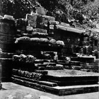 Бассейн Джалатунда. Выс. стены 5 м. X в. Восточная Ява