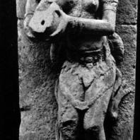 Женская фигура с кувшином, оформлявшая сток воды в бассейн