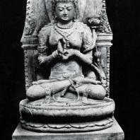 Праджняпарамита. Чанди Сингосари. Камень. Выс. 154 см. XIII в. Джакарта. Национальный музей
