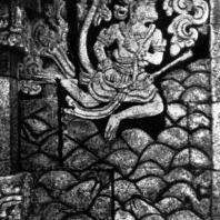 Хануман, перелетающий через море. Рельеф чанди Панатаран. XIII-XIV вв.