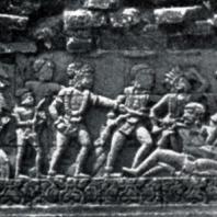 Рельеф на сюжет «Кришнаяны». Чанди Панатаран. 510×63 см. XIII-XIV вв. Восточная Ява