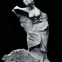 Женская фигура. Терракота. Выс. 37 см. XIV в. Восточная Ява. Травулан. Музей