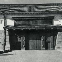 Замок Нидзё. Внешние ворота