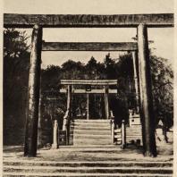 3. Тории (ворота) синтоистского храма