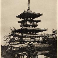 16. Пагода Якусидзи близ Нара. Вид с угла здания. VII в.