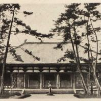 25. Кондо (Золотой павильон) храма Тосёдайдзи близ Нара. VIII в.