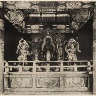 36. Интерьер Золотого храма Тюсондзи (Северная Япония). 1106 г.