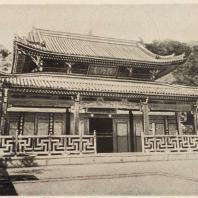 68. Саммон (входные ворота) храма Мампукудзи близ Киото. Главный храм. 1662 г.