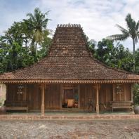 Индонезия, Центральная Ява, традиционный жилой дом joglo
