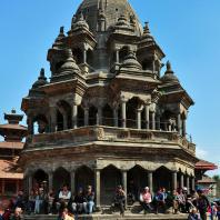 Непал, Лалитпур (Патан), парадная дворцовая площадь (дюрбар), Храм Кришны (октогональный храм)
