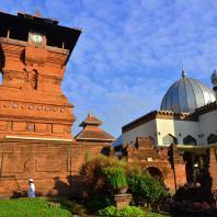 Ява. Минарет мечети в Кудусе, XVI в.