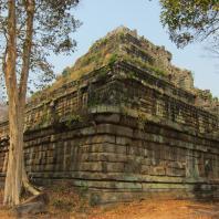 Лингапура, X век. Прасат Том