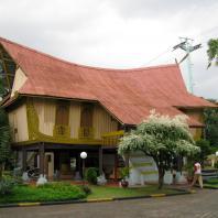 Индонезия, Кепулауан-Риау, традиционный жилой дом Rumah Lontiok