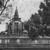1. Тхупарамадагаба в Анурадхапуре. III в. до н.э.