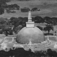3. Руванвелидагаба в Анурадхапуре