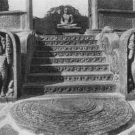 11. Вход в Вата-да-ге (Полоннарува)