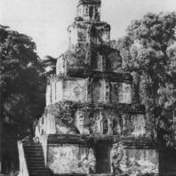 13. Сатмахал Пасада в Полоннаруве. XII в.