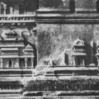 16. Ланкатилака в Полоннаруве. Деталь декорации стены