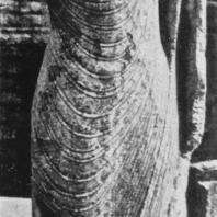 28. Статуя Будды у Руванвелидагабы в Анурадхапуре. II в.