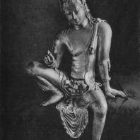 42. Скульптура Авалокитешвары из монастыря около Михинтале. VIII—X вв. Бостон, собрание А.-К. Кумарасвами