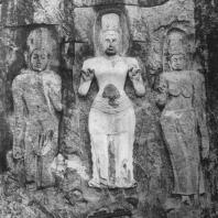 45. Скальные горельефы в Будурувегале. IX—X вв.