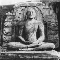 51. Статуя Будды. Галвихара в Полоннаруве. XII в.