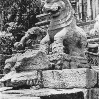 55. Фрагмент лестницы из цитадели в Япахуве. Конец XIII в.