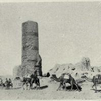 Табл. III. Рис. 2. Таджикистан. Термез. Минарет 1031 г.