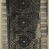 Узбекистан. Самарканд. Шах-и-Зинда. 1361 г. Деталь поливной резьбы. Мавзолей